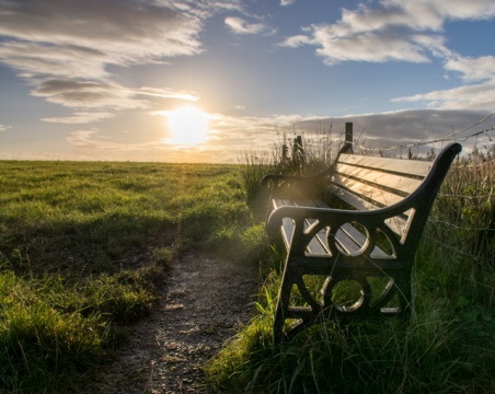 bench-sunrise